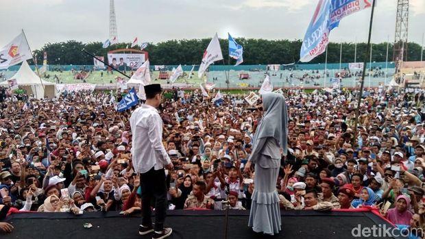 Al Duet dengan Mulan Jameela/