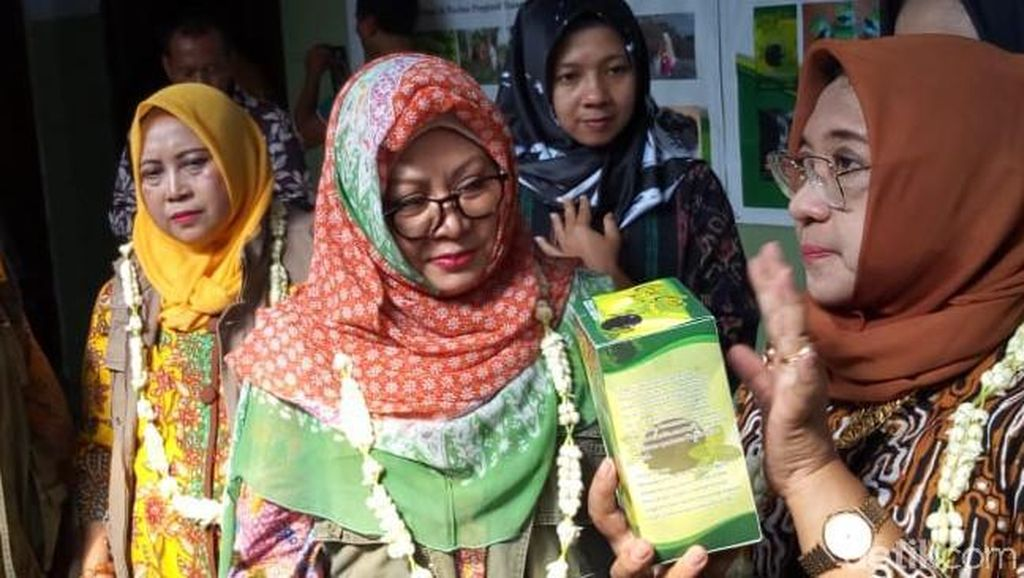 Tutut Soeharto Dicurhati Petani Cincau Soal Pascapanen