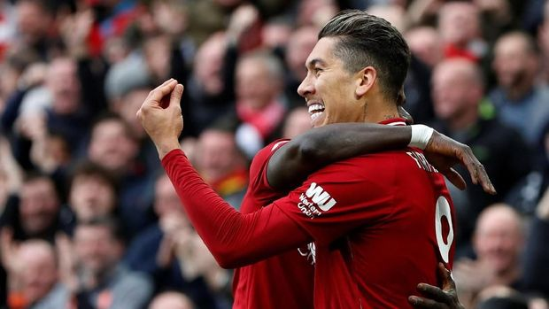 Kalahkan Tottenham 2-1, Liverpool Geser Man City