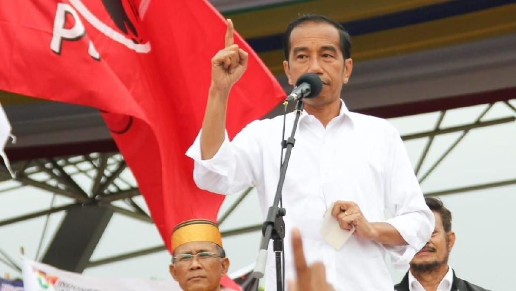 Usai Kampanye di Makassar dan Gowa, Jokowi Tiba di Manado