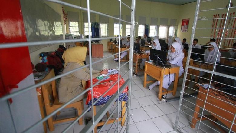 Melihat Suasana UNBK SMA di Sejumlah Daerah