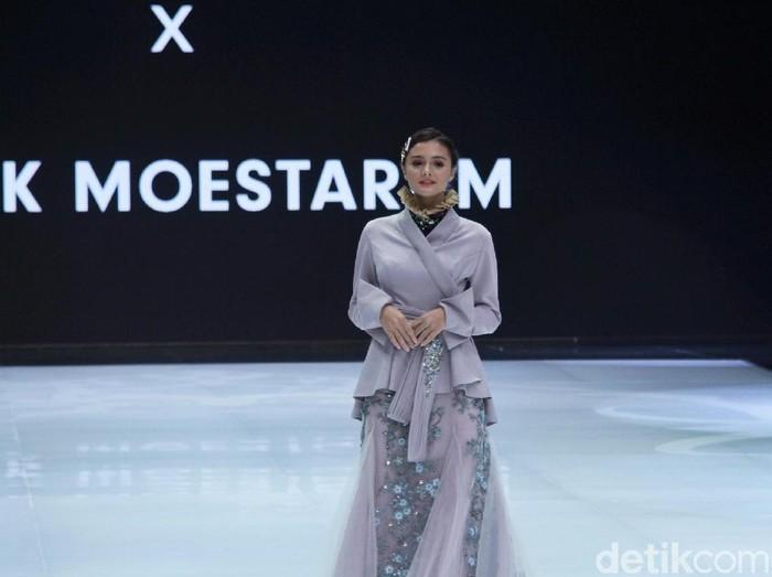 Koleksi Malik Moestaram di Indonesia Fashion Week 2019. Foto: Muhammad Abduh/Detikcom