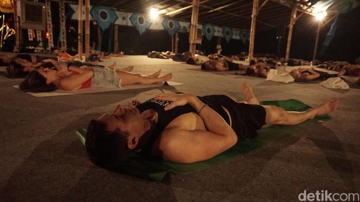 Kalau kelas yoga metal tidak menggunakan istilah namaste tapi namaslay alias nama-slay. (Foto: Khadijah Nur Azizah/detikHealth)