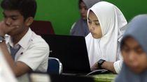 Kemenag: Madrasah Bisa Gunakan Dana BOS untuk Beli Kuota Internet Guru-Siswa