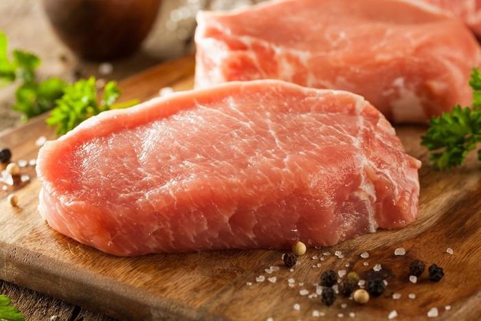 Daging babi memiliki rata-rata water footprint 5.990 liter per kg, dan 82 persennya adalah hijau, 8 persen biru dan 10 persen abu-abu (air irigasi). Foto: Istimewa