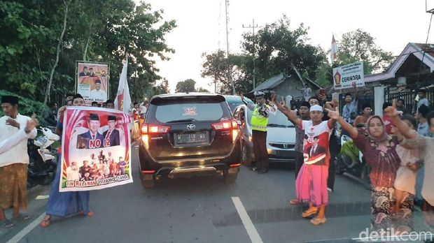 Dihadang Pendukung Prabowo, Ma'ruf Amin Batal Ziarah di Pamekasan