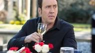 Nicolas Cage Rayakan Tahun Baru 2020 di Bar dan Traktir Semua Orang