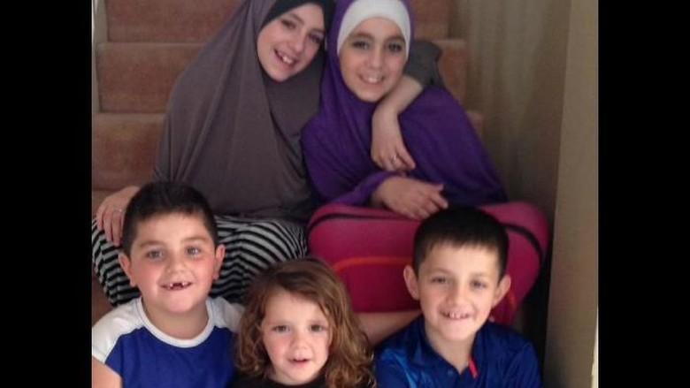 Neneknya Minta Anak-anak Teroris Australia Khaled Sharrouf Dipulangkan