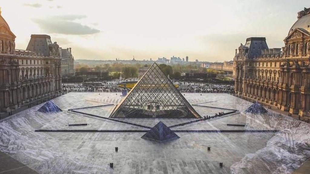 Takut  Virus Corona, Museum Louvre Paris Ditutup