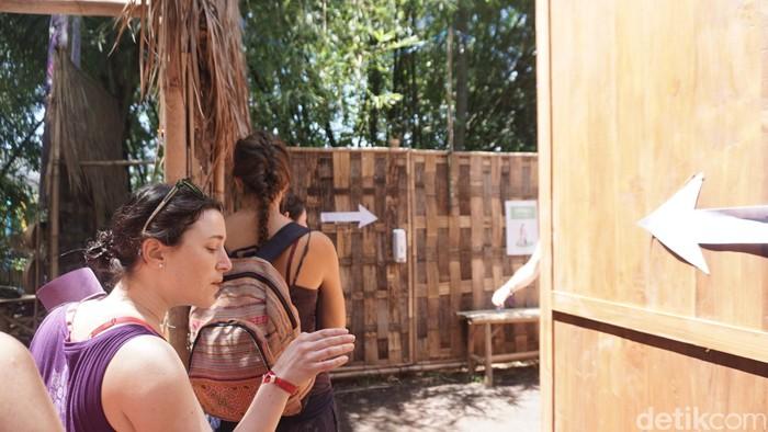 Toilet yang tersedia di acara Bali Spirit Festival di Ubud, memiliki konsep yang lumayan unik sehingga menjadi bahan pembicaraan pengunjung. (Foto: Khadijah Nur Azizah/detikHealth)