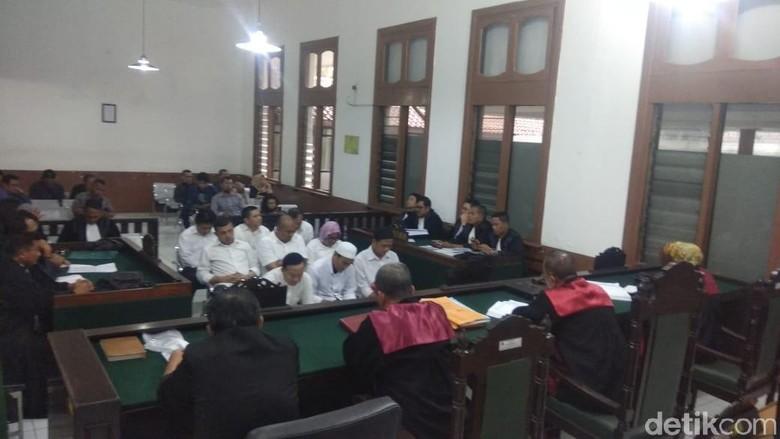 Kasus Sunat Dana Bansos, Sekda Tasikmalaya Dituntut 2,5 Tahun