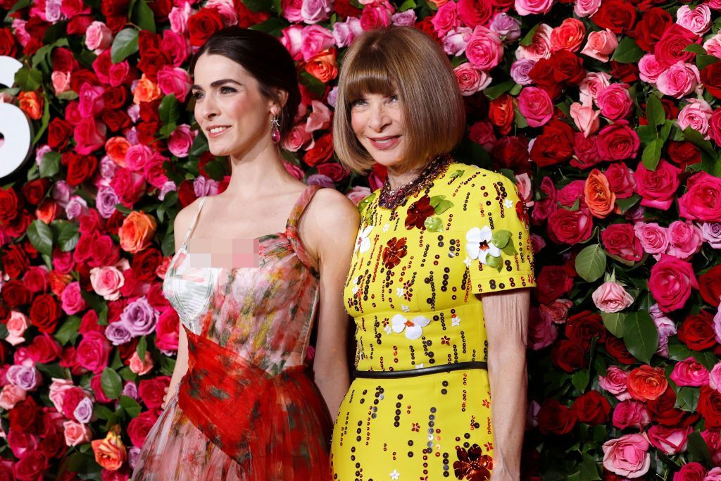 NEW YORK, NY - JUNE 12:  Bee Shaffer and Anna Wintour attend the 70th Annual Tony Awards at The Beacon Theatre on June 12, 2016 in New York City.  (Photo by Dimitrios Kambouris/Getty Images for Tony Awards Productions)