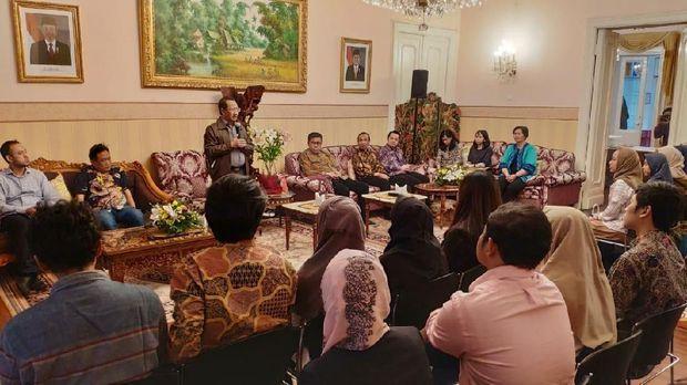 Pertemuan Tim Mahasiswa Indonesia yang ikut serta pada kompetisi dan pameran Inovasi Internasional XXII Moscow International Salon of Inventions and Innovations Technologies