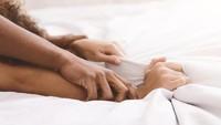 Pasangan Terlalu Cepat Ejakulasi? Atasi Lewat 5 Posisi Seks Ini