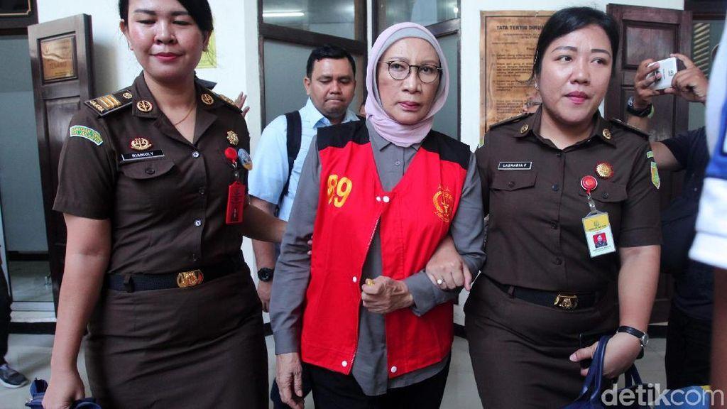 Ratna Sarumpaet Telepon Nanik Deyang Minta Sampaikan Maaf ke Prabowo