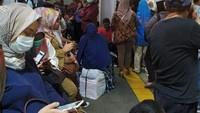 Perjalanan KRL lintas Bekasi hanya dapat dilayani sampai Stasiun Cakung untuk selanjutnya kembali menuju Jakarta Kota.