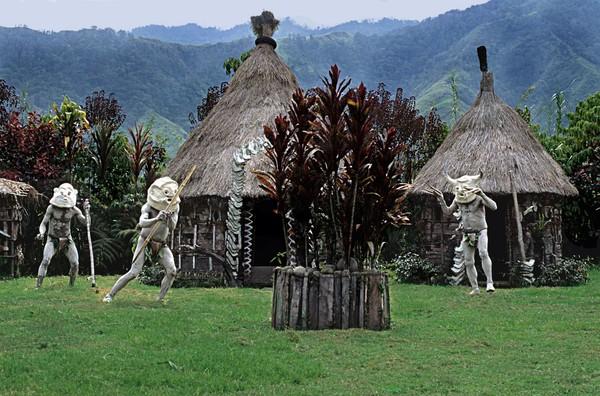 Suku Asaro menetap di kawasan pegunungan di daerah Asaro, dengan kota terdekatnya adalah Goroka. Suku ini masuk daftar suku-suku terunik di dunia (iStock)