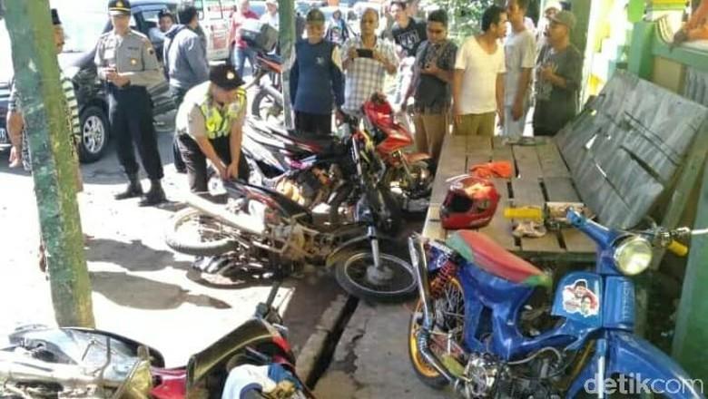 Polisi Ungkap Korban Pengeroyokan Massa Pro Prabowo Pakai Kaus Jokowi