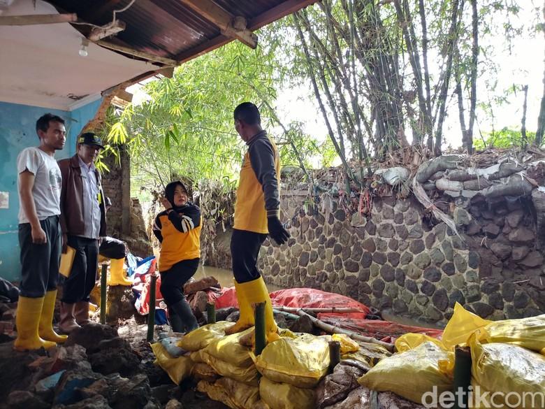 Masuk Musim Hujan, Pemkot Bandung Cek Tanggul Antisipasi Jebol