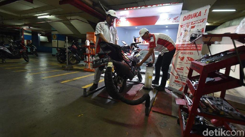 Ada Bengkel Motor di Park and Ride Jakarta