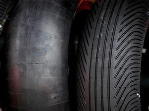 Kenapa Ban Motor Balap Selalu Dibungkus sebelum Start?