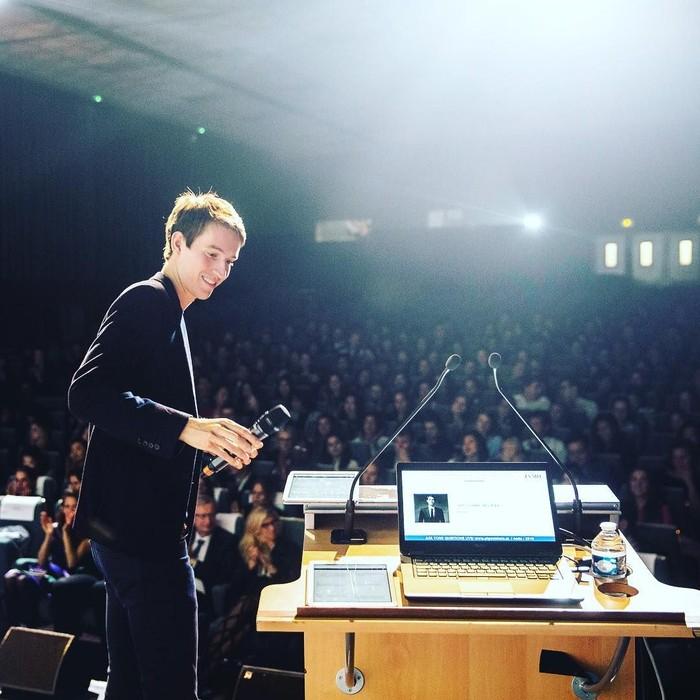 Alexandre Arnault merupakan anak dari orang terkaya ke-4 dunia, Bernard Arnault versi majalah Forbes 2019. Kekayaan sang ayah mencapai US$ 76 miliar atau sekitar Rp 1.060 triliun. Foto: Instagram alexandrearnault