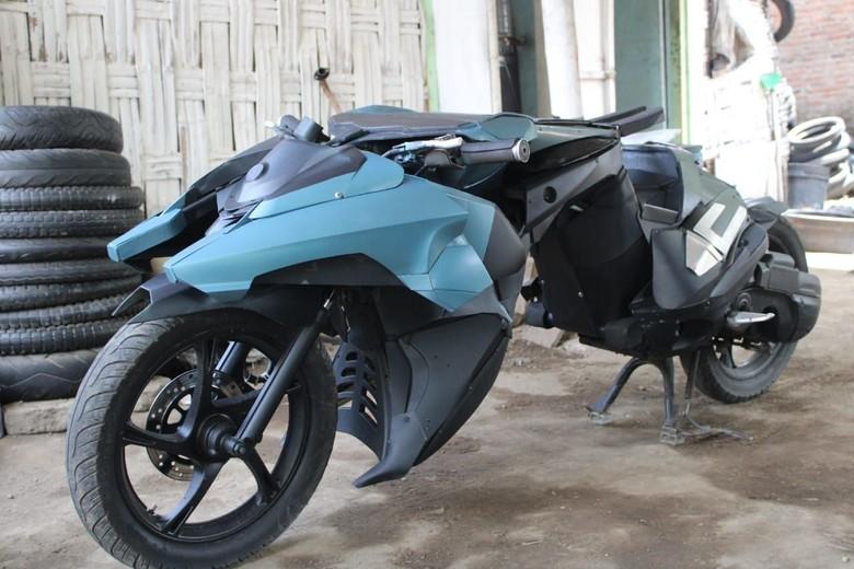 Yamaha Mio disulap jadi motor Batman di Jombang. Foto: Enggran Eko Budianto