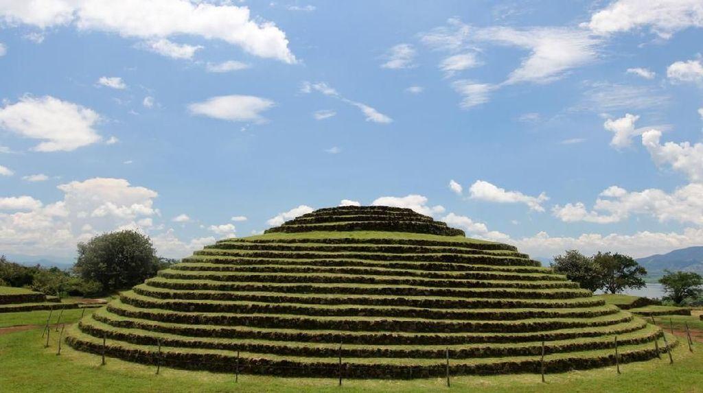 Foto: Piramida Melingkar dan Penuh Misteri