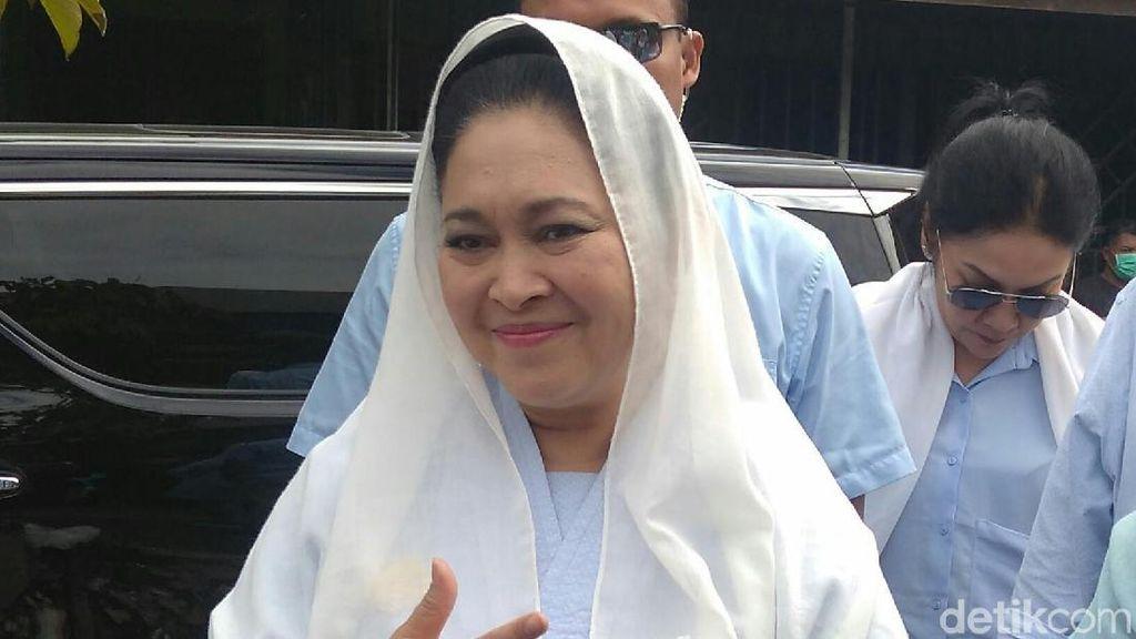 Titiek Soeharto Pertanyakan KPU Umumkan Hasil Pilpres Dini Hari