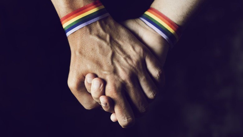 Mulai Hari Ini Brunei Terapkan Hukuman Rajam Sampai Mati Bagi LGBT