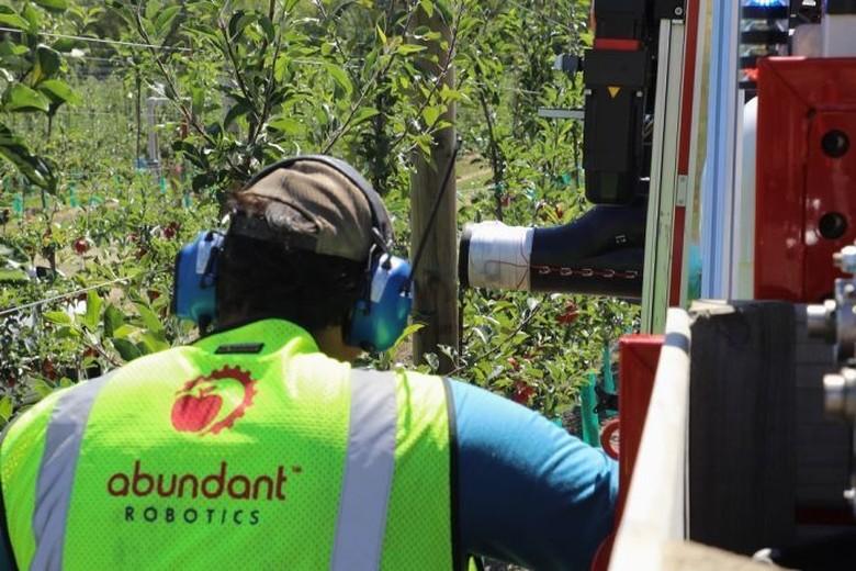 Robot Kini Bisa Memanen Buah Apel di Selandia Baru