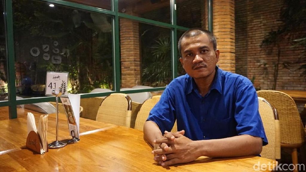 Kisah Mantan Supervisor SPBU yang Kecantol Narik GrabCar