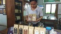 Usai Berwisata ke Candi Pawon Bisa Nyeruput Kopi Luwak di Kafe Ini