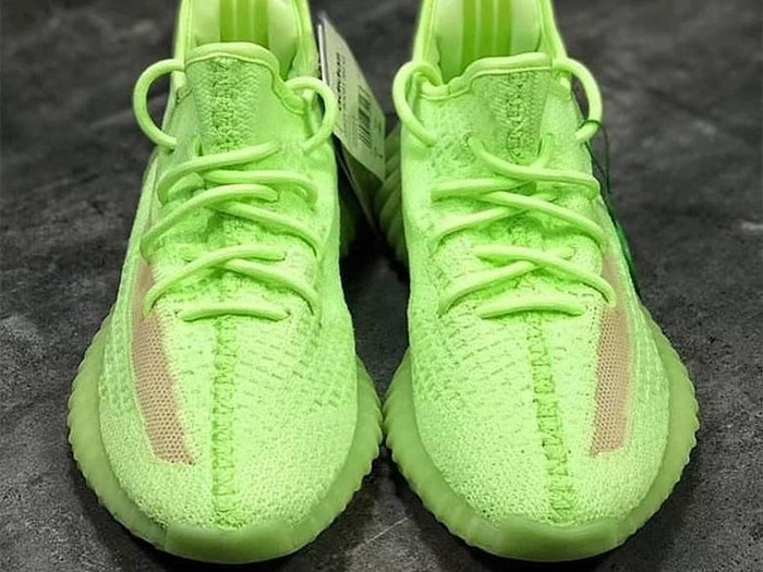 Sneakers Adidas Yeezy Boost 350 V2 Glow in the Dark. Foto: Dok. Adidas Yeezy