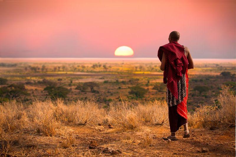Suku Maasai hidup di bagian utara Tanzania yang berbatasan dengan Kenya. Suku ini masih hidup dengan cara tradisional di dalam hutan (iStock)
