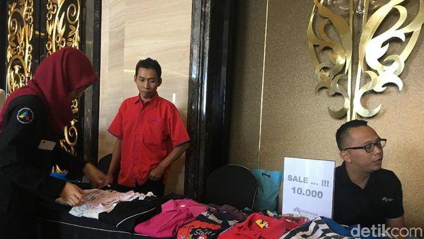 Prelove Anita Tanjung Ramaikan Bazar Amal CT Corp di Bandung
