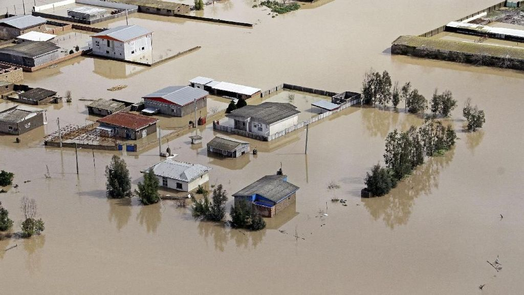 Banjir Bandang di Iran Tewaskan 62 Orang