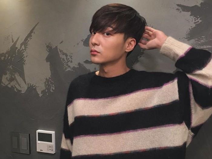 Roy Kim, penyanyi asal Korea yang tersandung kasus Seungri.