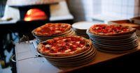 Wow! Banyak Orang Kaya Asal Nigeria Pesan Pizza Langsung dari London