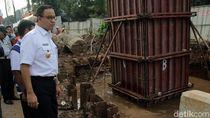 Disangsikan Menhub, Anies: Bukan LRT yang Sebabkan Banjir