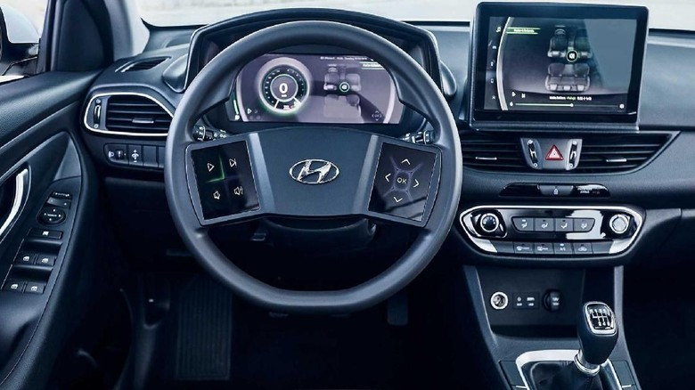Setir dengan layar sentuh di mobil Hyundai