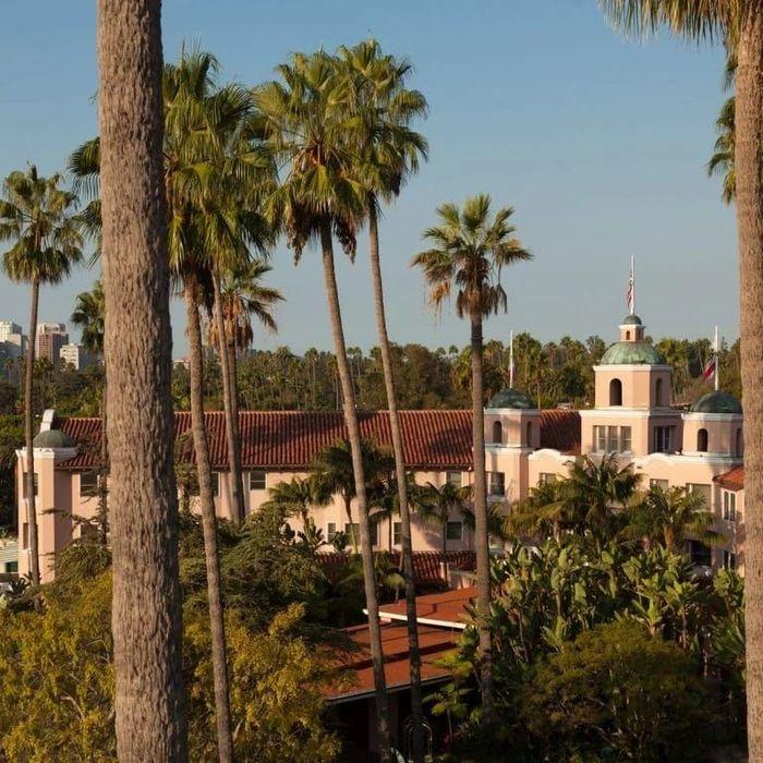 Hotel Bel-Air, Los Angeles Amerika Serikat. Sejumlah tokoh publik, George Clooney, Elton John, dan Ellen DeGeneres menolak kebijakan Sultan Brunei. (Foto:dorchestercollection.com)