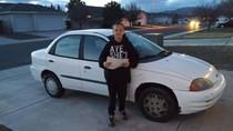 Cerita Menyentuh Anak 13 Tahun Jadi Tukang Kebun Demi Belikan Ibunya Mobil