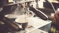 Berlebihan Minum Kopi di Pagi Hari? Ini 5 Risikonya