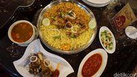 5 Tempat Makan Enak di Jakarta Timur yang Wajib Disambangi