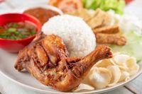 Raos Pisan! Ayam Goreng Khas Sunda Ada di 5 Tempat Ini