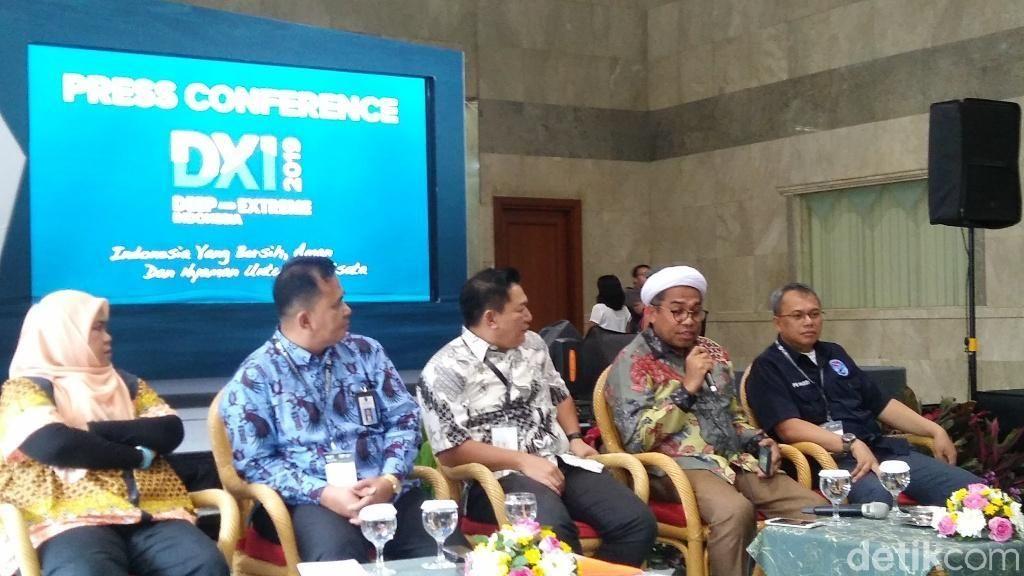 Bukan Kampanye, Ngabalin Ajak Traveler Menyelami Bawah Laut Indonesia