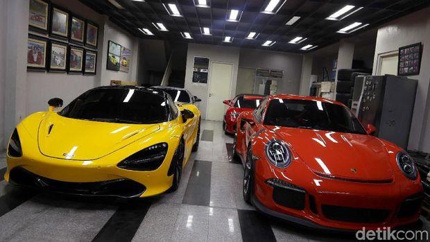 Mobil mewah koleksi Ahmad Sahroni
