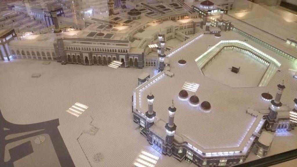 Sejarah dan Masa Depan Dua Masjid Suci Ada di Museum Ini