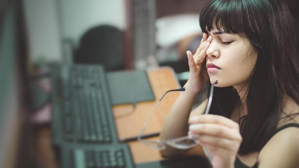 Terbangun dengan Mata Sakit? Kenali Penyebab dan Cara Mengatasinya (2)
